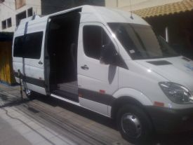 VIP VAN - 17 Lugares - DVD, TV e WIFI