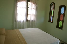 accomodation for singles, couples & families